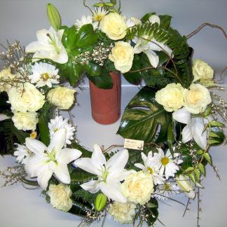 All White Wreath COU4